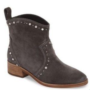 NWT Dolce Vita Tobin Studded Gray boots 7.5